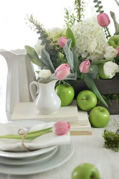 Beautiful spring table setting using unexpected items makes family time stress free and enjoyable.