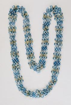 Glass chain from the Innsbruck Court Glassworks, blue and white glass, gold 1570-80