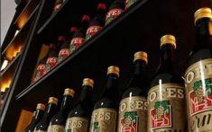 Presentació del Vermut Reserva Casa Gaudi, Beer Bottle, Drinks, Wine Cellars, Vacations, Restaurants, Drinking, Beverages, Beer Bottles