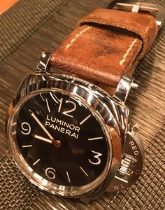 Panerai Watch Photo, Elegant Watches, Omega Watch, Tech, Mens Fashion, Boots, Leather, Handmade, Accessories