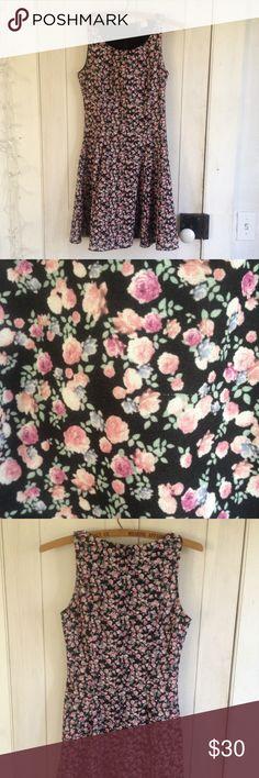 Floral party dress Cute floral dress size 4 Divided Dresses Midi