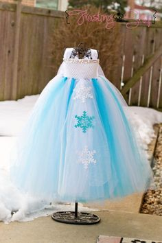 Princess Elsa Inspired Tutu dress- Frozen - I can make this!!