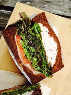 画像5 : 代官山のカフェ「キングジョージ」のボリューム満点サンドでヘルシーランチ! │ macaroni[マカロニ]