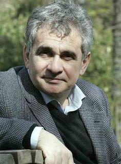 El 25 de enero del 2006 el escritor Bernardo Atxaga participó en la actividad Letras para el arte, ofreciendo su visión particular sobre la obra Sin título de Vicente Ameztoy.