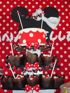 Minnie cupcake tower by two parts sugar, via Flickr