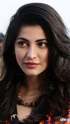 with her loving face Shruti Hasan