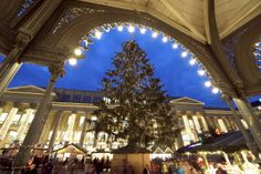 Stuttgart Weihnachtsmarkt | german christmas market - repinned by www.mybestgermanrecipes.com