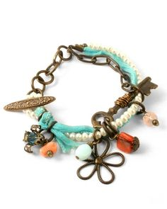 Something about this appeals to me... I can't quite figure out what.  The colors, textures, etc...  Something.  Vintage look bracelet.