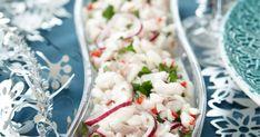 Siikaceviche on joulun kalapöydän uusi tulokas. Raikas, limetillä kypsytetty siika täydentää ihanasti perinteisiä joulukaloja. Suosittelemme! Coconut Flakes, Pasta Salad, Chili, Grains, Spices, Ethnic Recipes, Food, Crab Pasta Salad, Spice