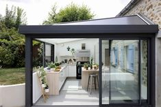 Discover recipes, home ideas, style inspiration and other ideas to try. Extension Veranda, House Extension Design, House Design, Transitional Decor, House Extensions, Porch Decorating, Beautiful Homes, Sweet Home, New Homes