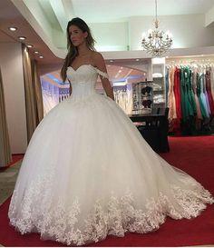 """41.6 mil curtidas, 185 comentários - Brides Nova™ (@bridesnova) no Instagram: """"BRIDES AND DRESSES! @bridesnova Shopping link in bio❤ For business, collaboration and…"""""""