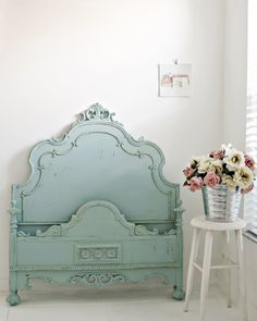 Beautiful Antique Shabby Chic Twin Bed