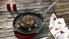 Grillpan met siliconen handvat, rond Iron Pan, Grill Pan, Cast Iron, Grilling, Beef, Food, Griddle Pan, Meal, Crickets