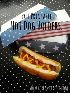 Ali from Dream Crafter is sharing these easy printable 4th of July hot dog holders with you! Just click, download, print and glue!