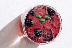 Blackberry Summer Smash: Ginger beer (which contains no alcohol) adds a sweet kick to the tart blackberries. It's readily available in supermarkets.