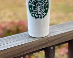 Personalized Starbucks glitter stainless steel tumbler. 20oz tumbler. Glitter cup. Coffee. Custom. Bestseller. Starbucks Gift Baskets, Coffee Gift Baskets, Cute Birthday Gift, Birthday Gifts For Boys, Birthday Ideas, Starbucks Birthday, Starbucks Christmas, Business Gifts, Business Hashtags