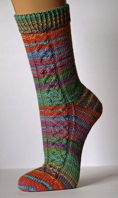 Helix Cable Socks pattern by Stephanie Domaschke - knitting socks , Helix Cable Socks pattern by Stephanie Domaschke SOCKEN - BUNT. Loom Knitting, Knitting Stitches, Knitting Socks, Hand Knitting, Crochet Socks, Knit Crochet, Bed Socks, Patterned Socks, Knit Picks