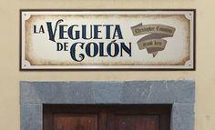 Rótulo para La Vegueta de Colón (Las Palmas de GC). Esmalte sintético sobre madera.