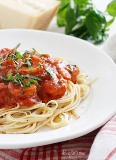 Linguini and Shrimp Fra Diavolo. Linguini and Shrimp Fra Diavolo- an Italian-American dish that'll be a delicious dinner on your table in 30 minutes! Seafood Dishes, Pasta Dishes, Seafood Recipes, Pasta Recipes, Dinner Recipes, Cooking Recipes, Healthy Recipes, Great Recipes, Favorite Recipes