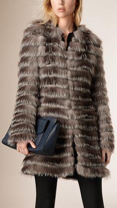 fourrure de vison sur pinterest fourrure manteaux de fourrure et fourrure de renard. Black Bedroom Furniture Sets. Home Design Ideas