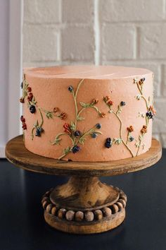 pretty cake with floral details. Pretty Cakes, Cute Cakes, Beautiful Cakes, Amazing Cakes, Sweet Cakes, Simply Beautiful, Cute Desserts, Aesthetic Food, Creative Cakes