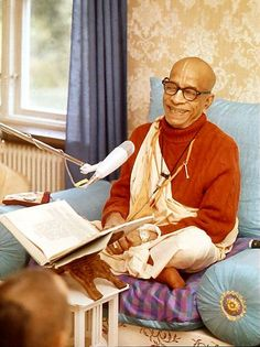 Srila Prabhupada tells how to remain safe from maya.