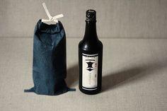 Sake Bottle, Japan Fashion, Washi, Christmas Decorations, Packaging, Japan Style, Gifts, Bottles, Strength