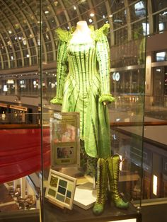 wicked costume Movie Theater, Theatre, Wicked Musical, Wicked Costumes, Idina Menzel, Emerald City, Wizard Of Oz, The Wiz, Fan Girl