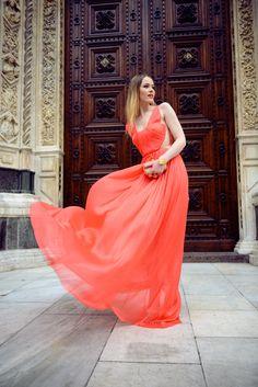 Tämä väri ja mekko olisi tyyliäni Katumuoti 567e76d58e