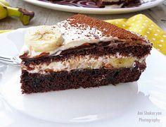 Тази рецепта е от онези лесни, бързи и вкусни рецепти за домашна торта, които почти всяка домакиня има в тефтера си, записана от приятелка...