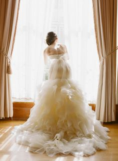 Pin for Later: 23 Wedding Dress Pictures You'll Regret Not Taking Showing Ruffles to Maximum Effect Get inventive! We love the eager bride peering out the window, which, handily, shows off the ruffles of her skirt to full effect. Wedding Dress Pictures, Wedding Pics, Wedding Styles, Mod Wedding, Dream Wedding, Luxury Wedding, Wedding Bells, Elegant Wedding, Bridal Gowns