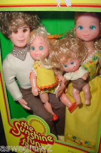 """Sunshine Family dolls by Mattel.  I think a book was included explaining the little girl was going to be a """"big sister""""..and..I think I still have the book and the little girl somewhere.."""