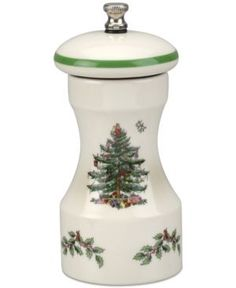 It wouldn't be Christmas without the iconic Spode Christmas Tree collection. The epitome of fine holiday entertaining since its introduction in this beloved pattern beautifully captures the festive spirit of the season. Christmas China, Spode Christmas Tree, Christmas Dishes, Christmas Kitchen, Christmas Ideas, Holiday Ideas, Collections Ect, Christmas Tree Collection, Christmas Dinnerware
