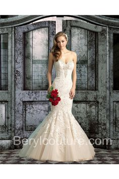 Elegant Mermaid Sweetheart Champagne Tulle Lace Beaded Wedding Dress With Crystals