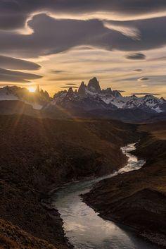 Patagonia Andrew Waddington World Images Beautiful World, Beautiful Places, Beautiful Pictures, Beautiful Scenery, Beautiful Sunset, Amazing Places, Landscape Photography, Nature Photography, Travel Photography