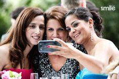 Fotos invitados bodas Smile, Wedding Pictures, Weddings, Smiling Faces