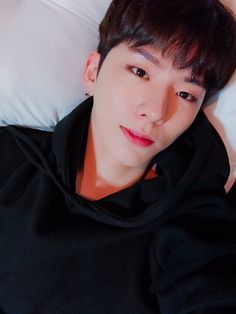 (170509) Kihyun's Fancafe update  This is Kyun, who received plenty of sunlight, in the dorm    translated by kinghyungwon