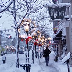 Petosky Michigan Christmas. Perfect place to stroll with your sweet heart! #PureMichigan