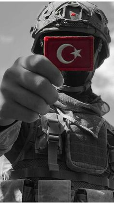 Türkei Image A Patriotic House Adorning Theme Are you exhausting core purple, white, and blue? Phone Wallpaper For Men, Army Wallpaper, Galaxy Wallpaper, Turkish Soldiers, Turkish Army, Pakistan Wallpaper, Military Special Forces, Pakistan Army, Military Girlfriend