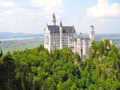 Neuschwanstein - Germany's iconic castle www.germanyja.com