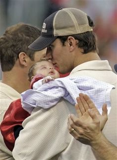 - Adam Wainwright and his daughter after the World Series parade and rally - 10/29/06