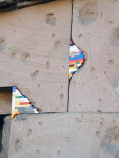 Jan Vormann - Dispatchwork in Berlin. Legos in the cracks! Legos, Lego Decorations, Orange Art, Lego House, Kintsugi, Public Art, Urban Art, Installation Art, Sculpture Art
