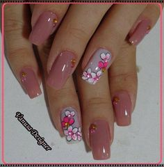 Best Floral Nail art Designs – Watch out Ladies Beautiful Nail Art, Gorgeous Nails, Pretty Nails, Nail Polish Designs, Cute Nail Designs, Magic Nails, Nails Only, Floral Nail Art, Hot Nails