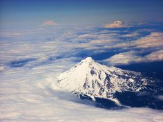 This is what real mountains look like #MtHood #Oregon