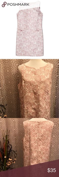 Victoria Beckham Pink and White Plus Size Dress Looks new! Zips up the back. 54% polyester and 46% cotton. Lining is 100% polyester. Has two pockets. Victoria Beckham for Target Dresses
