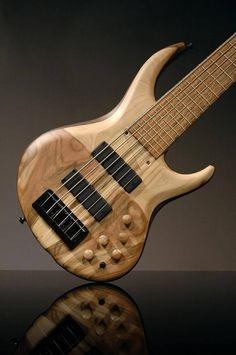 MTD 634-24 Guitar Amp, Cool Guitar, Acoustic Guitar, Custom Bass, Guitar Collection, Guitar Building, Beautiful Guitars, Guitar Design, Vintage Guitars
