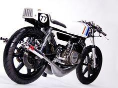 Yamaha RD400 by Motohangar  |  Pipeburn.com