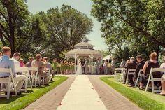 Summer wedding in Brooklyn   [© Rachael Wright]