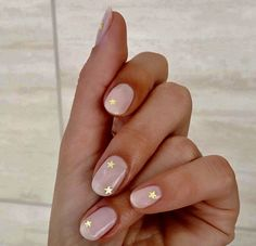 Best nails. Amandamajor.com. IS A AGENCY REPRESENTED CELEBRITY HAIR STYLIST WORKING AT THE PAD SALON 561-562-5525 AND AT STUDIO 58 SALON ZIONSVILLE, IN 317-873-3555. SPECIALIZING IN NATURAL BEADED ROW, KLIX, EASIHAIR PRO EXTENTIONS, CORRECTIVE HAIR COLOR  https://www.facebook.com/shorthaircutstyles/posts/1760994797524293