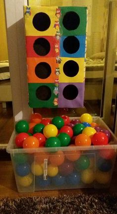 Juegos con material reciclable Games with recyclable material The post Games with recyclable material appeared first on Pink Unicorn. Kids Crafts, Toddler Crafts, Preschool Crafts, Kids Diy, Preschool Colors, Toddler Learning Activities, Montessori Activities, Infant Activities, Montessori Materials